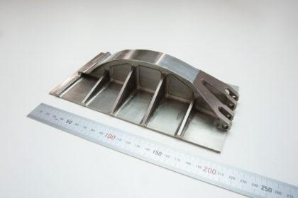インコネル削り出しの航空機エンジン部品