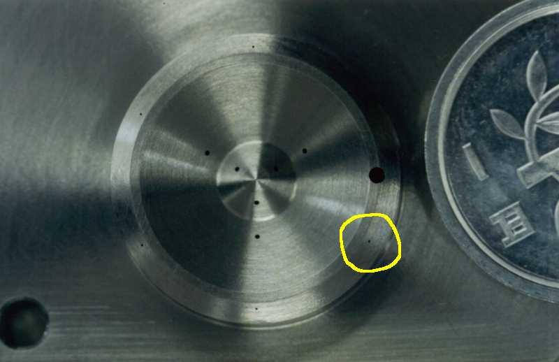 航空機用部品 細穴加工(Φ0.12±0.015)
