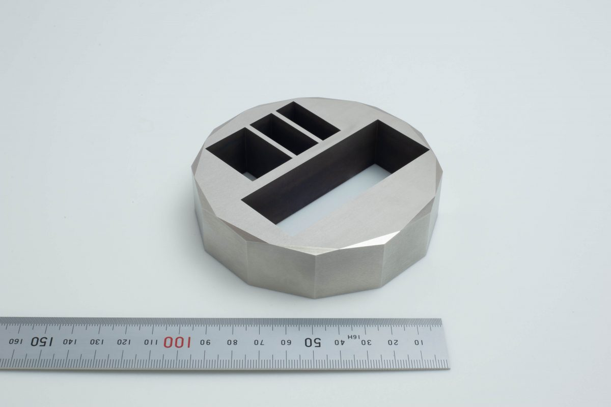 インコネル 高精度 切削加工 研削加工